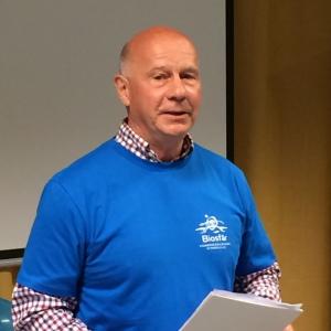 Lennart Bergquist håller högtidstal
