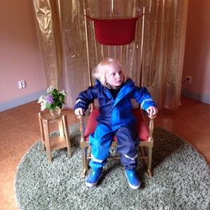 Önskestolen fanns på plats där man kunde plantera sina önskningar om framtiden. Winston var en av dem som passade på.