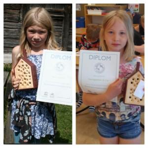 De två klasserna som vann från Råda skola och Vinningaskolan fick diplom, familjebiljetter till Vänermuseet samt var sitt bihotell. På bilden är tv. Ella Åberg, Råda skola th. Nina Abrahamsson